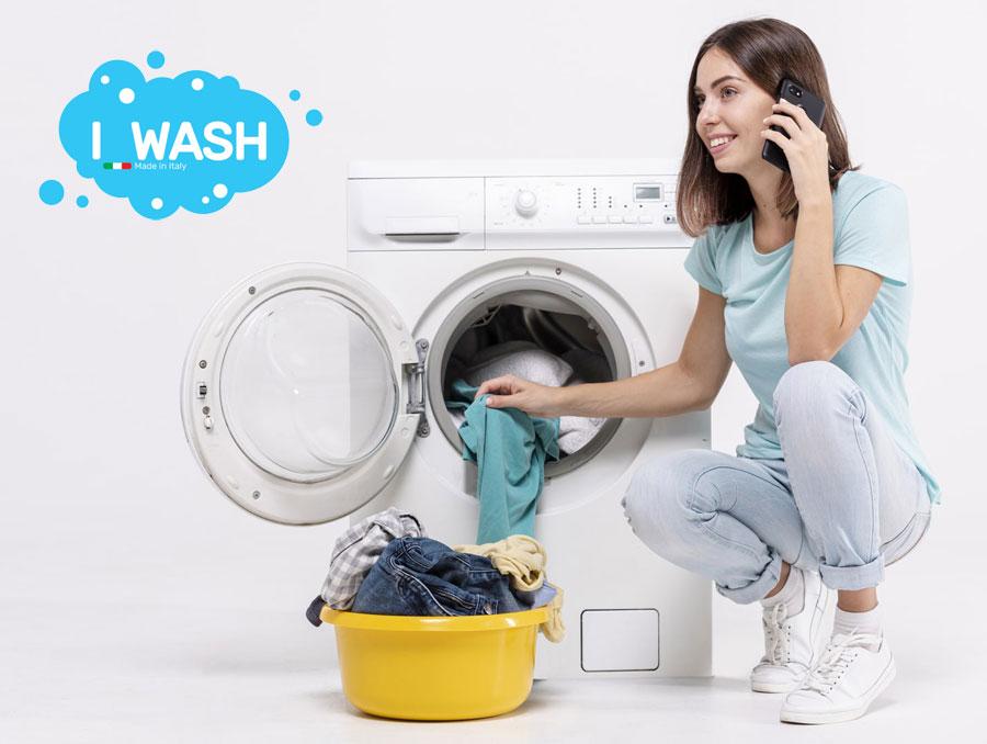 donna-lavatrice-telefono